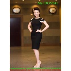 Đầm body màu đen sang trọng khoét vai phối viền sành điệu DOV841