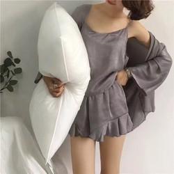 Bộ đồ ngủ kèm áo choàng gợi cảm và túi đựng đồ nhỏ xinh TK989