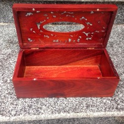 Hộp đựng giấy ăn bằng gỗ hương đỏ khắc rồng phượng giá tốt
