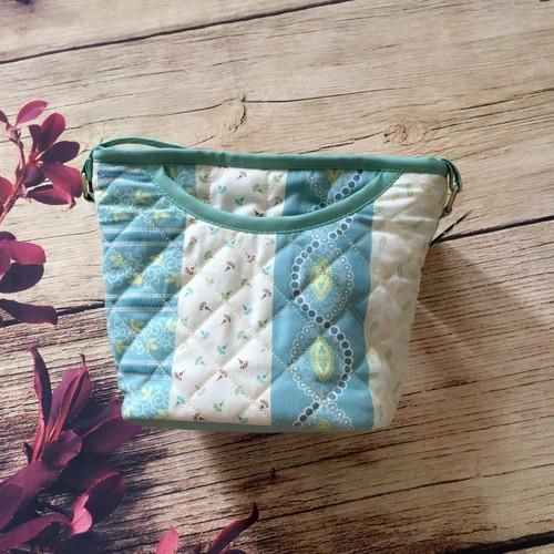 XO08 - XO Crossbody Bag Handmade Chằn Bông Họa Tiết Sọc Hoa