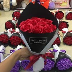 hoa hồng sáp 12 bông giá siêu rẻ