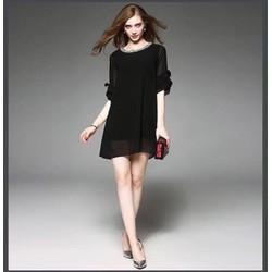 Đầm suông đen cổ viền dây bạc