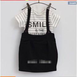Áo smile + yếm đen