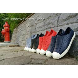 Giày nhựa đi mưa - Chất liệu EVA siêu nhẹ không thấm nước