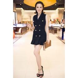 Đầm ôm body kiểu sát nách cổ vest như Angela Phương Trinh