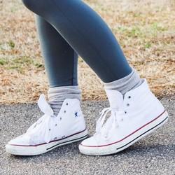 Giày Sneaker Năng Động Cổ Cao Trắng Nữ