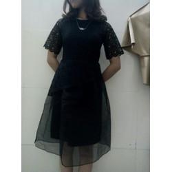 Váy ren 2 lớp ảnh tự chụp