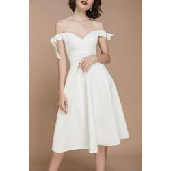 Đầm xòe trắng vai ngang