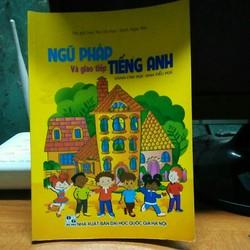 sách ngữ pháp và giao tiếp tiếng anh dành cho học sinh tiểu học hơi cũ