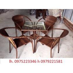 chuyên sản xuất bàn ghế dùng cho các công trình quán : giá cực rẻ