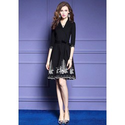 Đầm phom xoè cổ vest thêu trực tiếp chân váy hàng nhập cao cấp