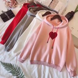 Áo hoodie in tim