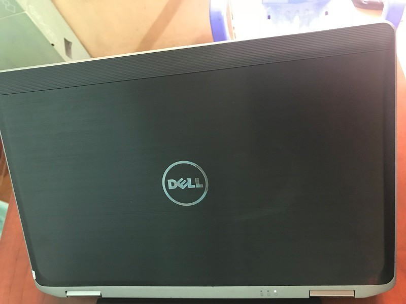 Laptop Dell E6330 i5 3320 Ram 4GB HDD 250gb 5
