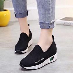 giày thể thao độn cao tạo dáng cho các nàng nha