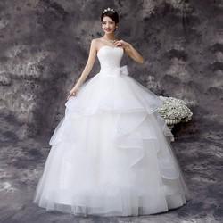 Áo cưới xòe cúp ngực, kiểu dáng xinh xắn như công chúa