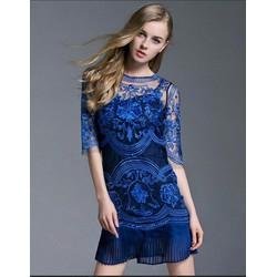 Đầm ren tay lở có áo lót màu xanh coban