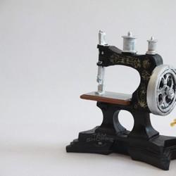 Mô hình máy may Vintage