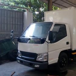 Xe tải Hyundai iz49 tải 2t4 thùng dài 3m7 vào thành phố