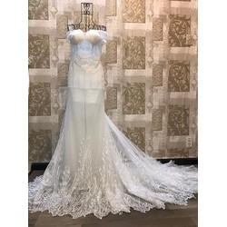 Váy cưới đuôi cá, có đuôi dài ren nhuyễn sang trọng