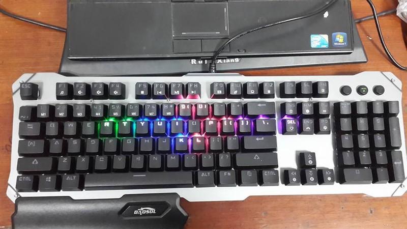 Bàn phím Cơ Daosol DB18T - LED 7 màu, có kê tay 1