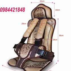 Đai ghế ngồi an toàn trên ô tô cho bé