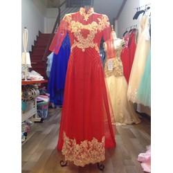 Áo dài cưới cô dâu, màu đỏ ren vàng chân ren, tà sau dài tha thướt