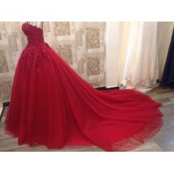 Áo cưới cô dâu lộng lẫy, màu sắc hot đang được ưa chuộng