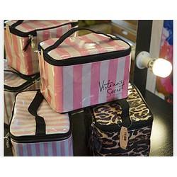 Túi đựng đồ trang điểm Victoria secret