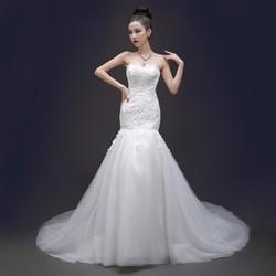 Váy cưới đuôi cá, cúp ngực ren dịu dàng và sang trọng