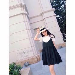 Đầm babydoll đen.
