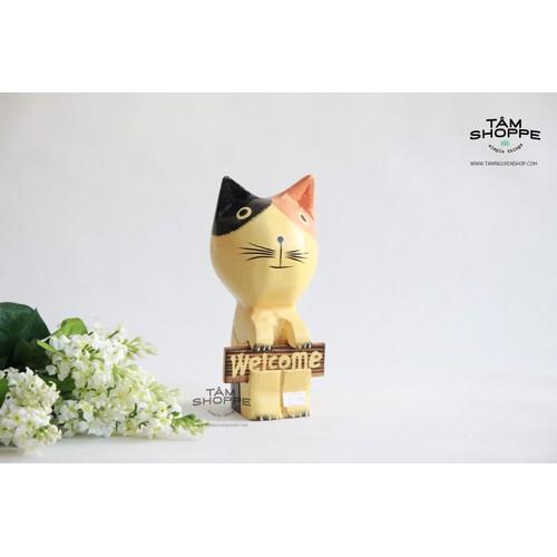 Mèo gỗ Nhật cầm bảng welcome