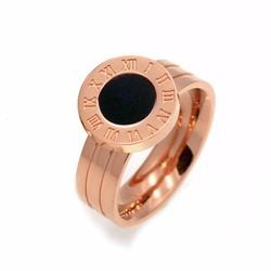 Nhẫn titan số la mã màu vàng hồng 14k cẩm xà cừ đen mẫu TC035