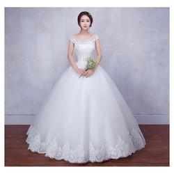 Áo cưới ren, điểm hạt trai tinh tế, chân ren sang trọng