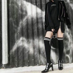 Đầm suông dây kéo cực cá tính