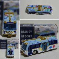 Xe mô hình Disney Tomica Bus