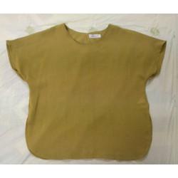 Áo nữ màu vàng cỏ xẻ vạt hông