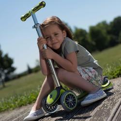 Xe trượt scooter GLOBBER MY FREE UP, bánh xe phát sáng - Xanh lá