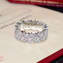 Nhẫn nữ Vương miện mùa đông Cartier