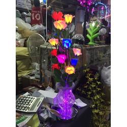 Bình hoa hồng điện ngày tết