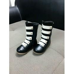 giày boot cao cổ