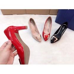 Giày cao gót đẹp bóng