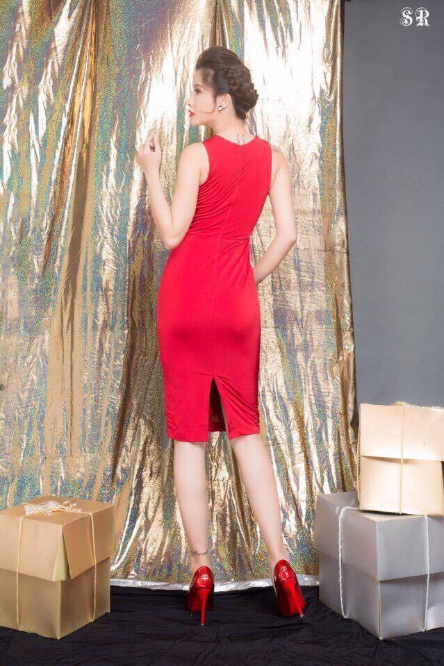 HÀNG THIẾT KẾ-Đầm Ôm Body Cổ Yếm Đính Nút Đẹp Như Ngọc Trinh 5