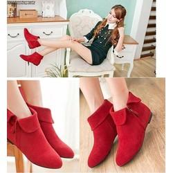 Giày boot nhung cổ lật đế thấp màu đỏ