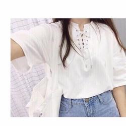 áo thun kiểu xỏ dây y hình