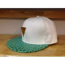 Mũ snapback Hater trắng vành xanh lá 328