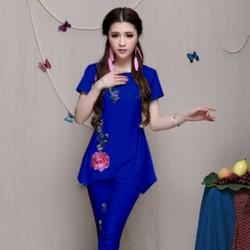 Bộ kiểu form dài màu xanh dập hoa hồng nổi thời trang