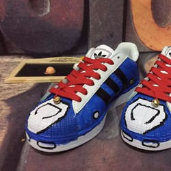 Giày sneaker Superstar Doraemon