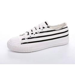 Giày vải nữ cá tính