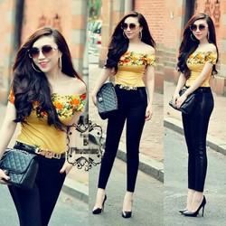 Bộ áo bẹt vai họa tiết hoa hồng và quần tregging đen - AV3307