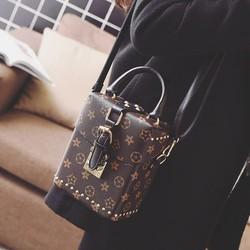 Túi xách nữ xinh xắn